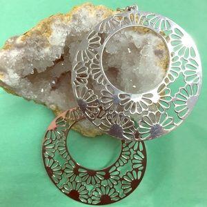 Jewelry - Boho earrings flower design NWOT